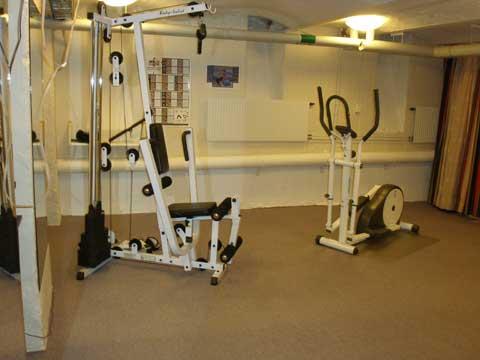 2_gym1.jpg
