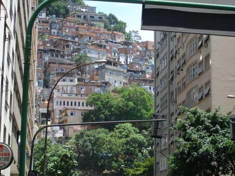 3_favela.jpg