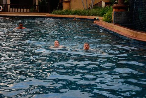 3_poolbad.jpg
