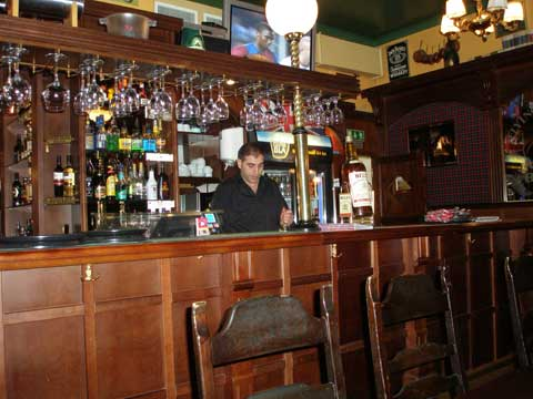 4_bartendern.jpg