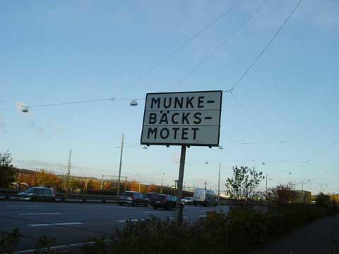 5.munkeback.jpg