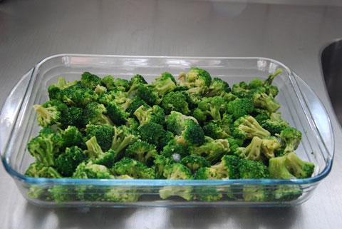 6_fyllerbottenmedfrystbroccoli.jpg